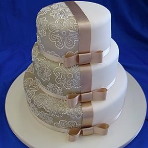 contrast wedding cake
