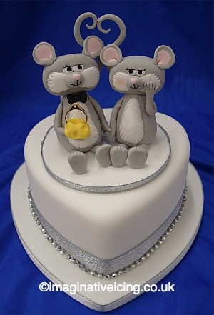 Special Birthday Cakes on Engagement Mice Heart Cake   Imaginative Icing