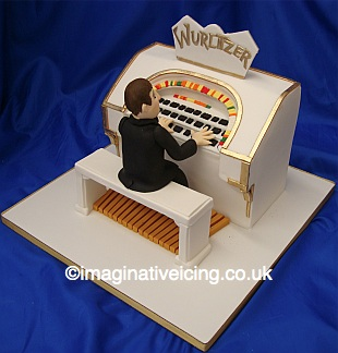 60th Birthday Cakes on Man Playing Wurlitzer Birthday Cake   Imaginative Icing