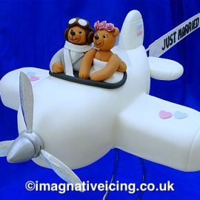 Honeymoon Airways - Bride & Groom Teddy Bears Aeroplane Wedding Cake